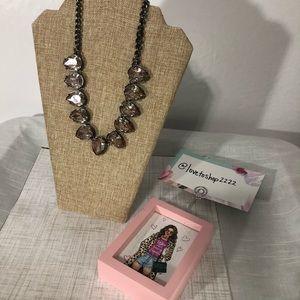 🦋 3:$15 Teardrop pendants necklace